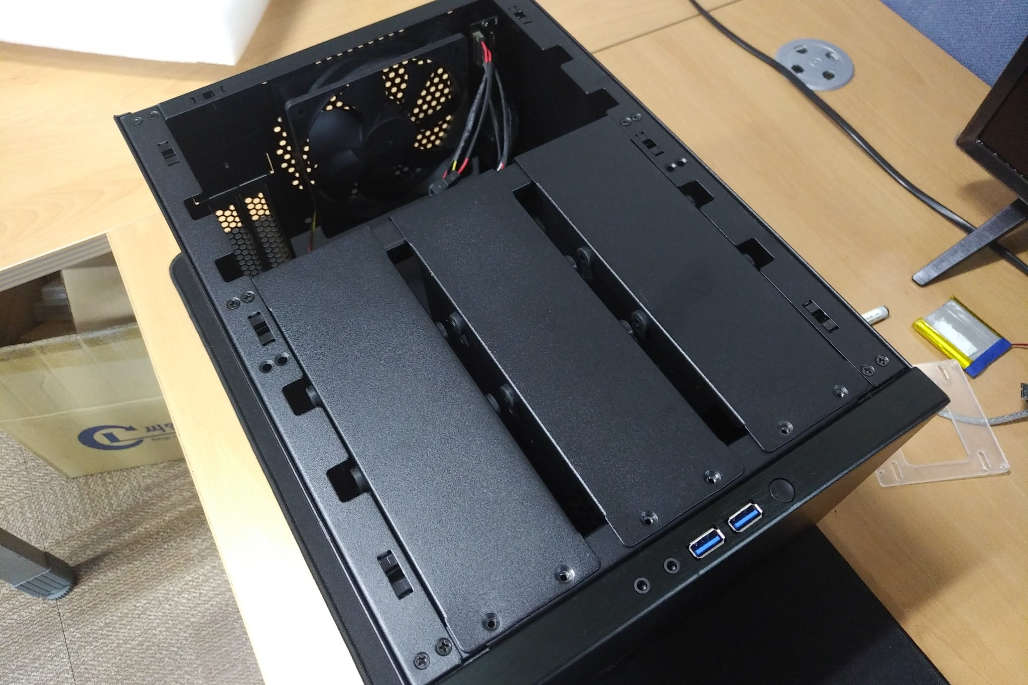 Do It Yourself 6-bay Network Access Storage (NAS